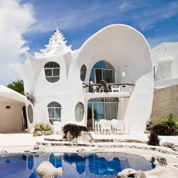 Mannen plassen in stijl - Modern huis aan zee ...