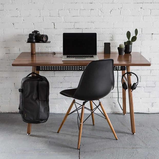 Artifox Desk 02: minimalistisch bureau met handige snufjes