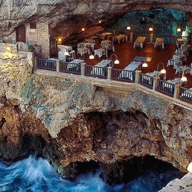 Dit restaurant zit in een grot in Italië en dat ziet er heel gaaf uit