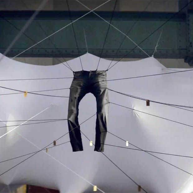 Denham lanceert jeans parodie The Aviator
