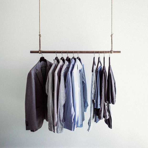Deze 7 kledingstukken kun je absoluut niet naar je werk dragen