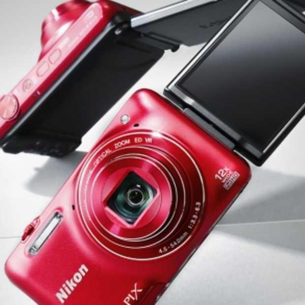 Nikon COOLPIX S6600 met gesture control en kantelbare scherm