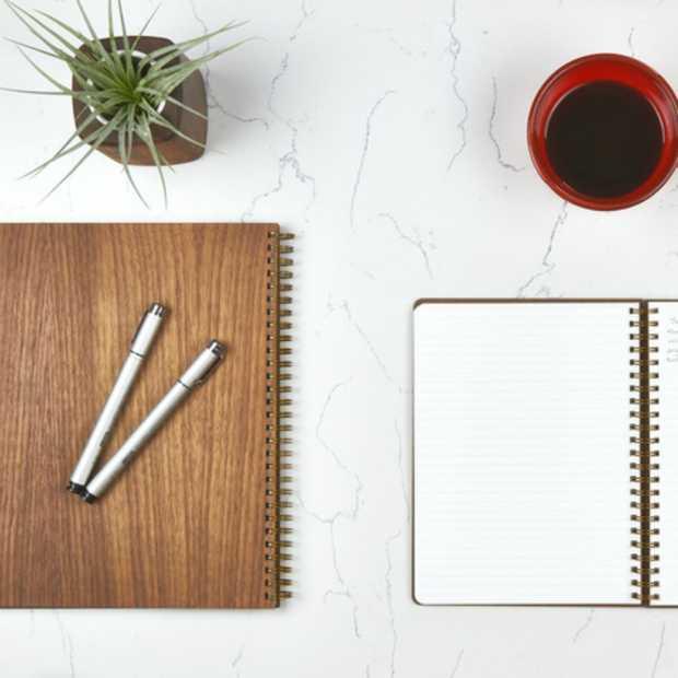Stijlvolle notitieboekjes van hout en gerecycled papier