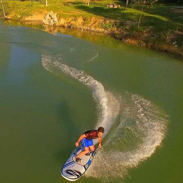 Surfen zonder golven met dit te gekke elektrische jetboard