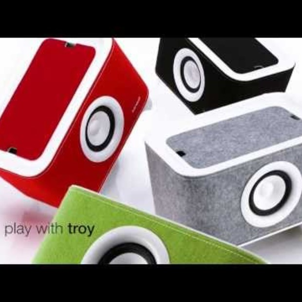 sonoro Troy - Universal charger and music system