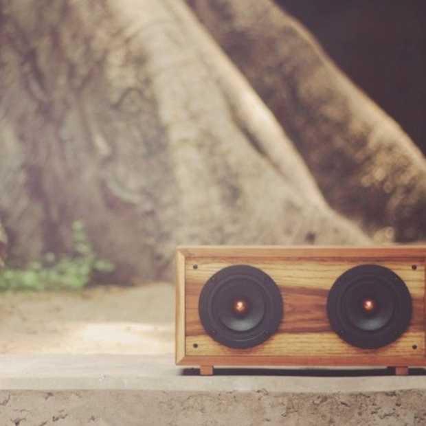 Clapton: gave speaker van hout