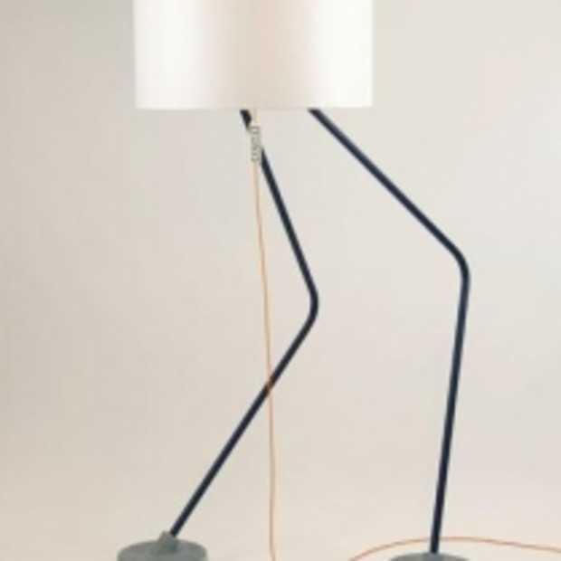 TONY, een lamp die zijn mannetje staat