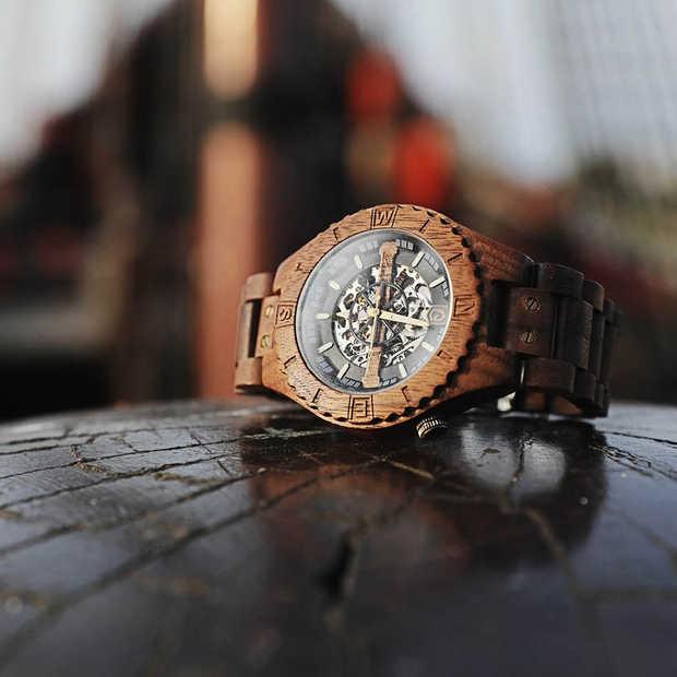 Troy: handgemaakt houten horloge met mechanisch binnenwerk nu op Kickstarter