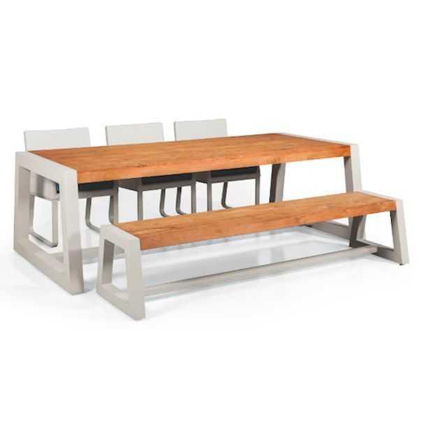 Lekker lang tafelen met de tuintafels van SUNS