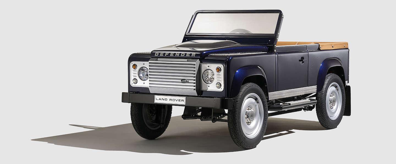 Heel gaaf: Land Rover Defender trapauto