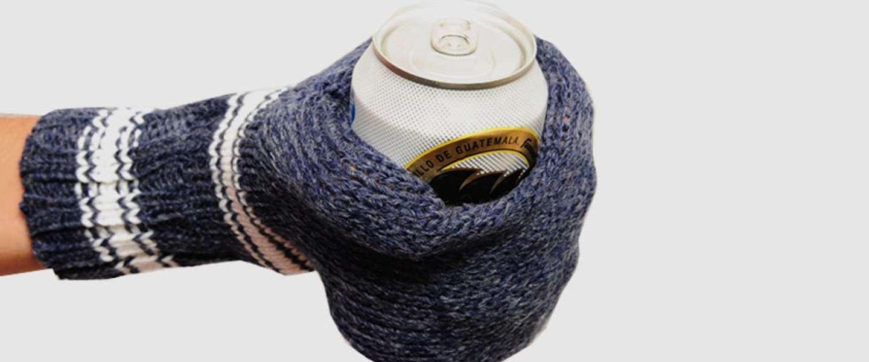 Drink je koude pils met deze wanten en je hebt nooit meer bevroren vingers!