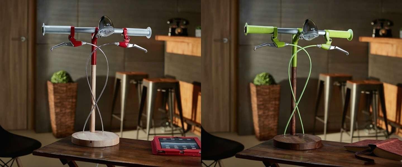 Deze gave bureaulamp is gebaseerd op een fiets