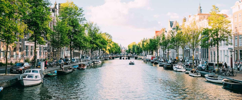 Steeds meer Nederlanders huren nu een boot