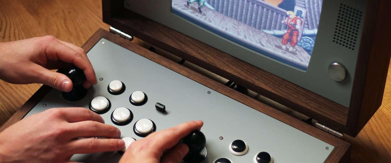Gaaf: de Cary42 is een old-school arcadekast in een koffer