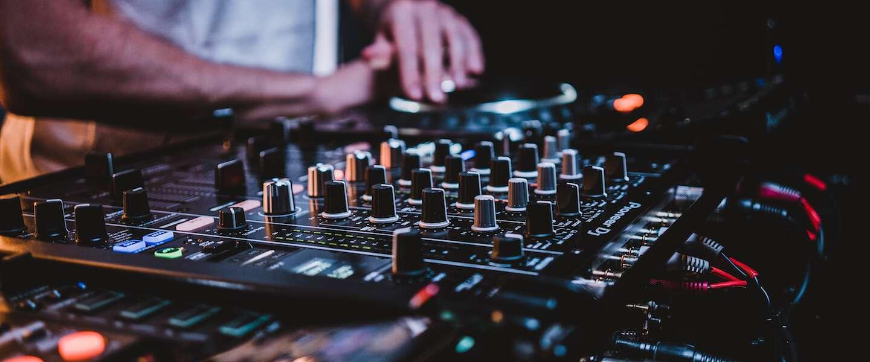 Gratis online festival voor jongeren tijdens oud en nieuw moet illegale feestjes voorkomen