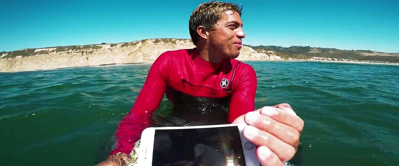 Coole video: surfer test verschillende iPhones op zijn surfplank