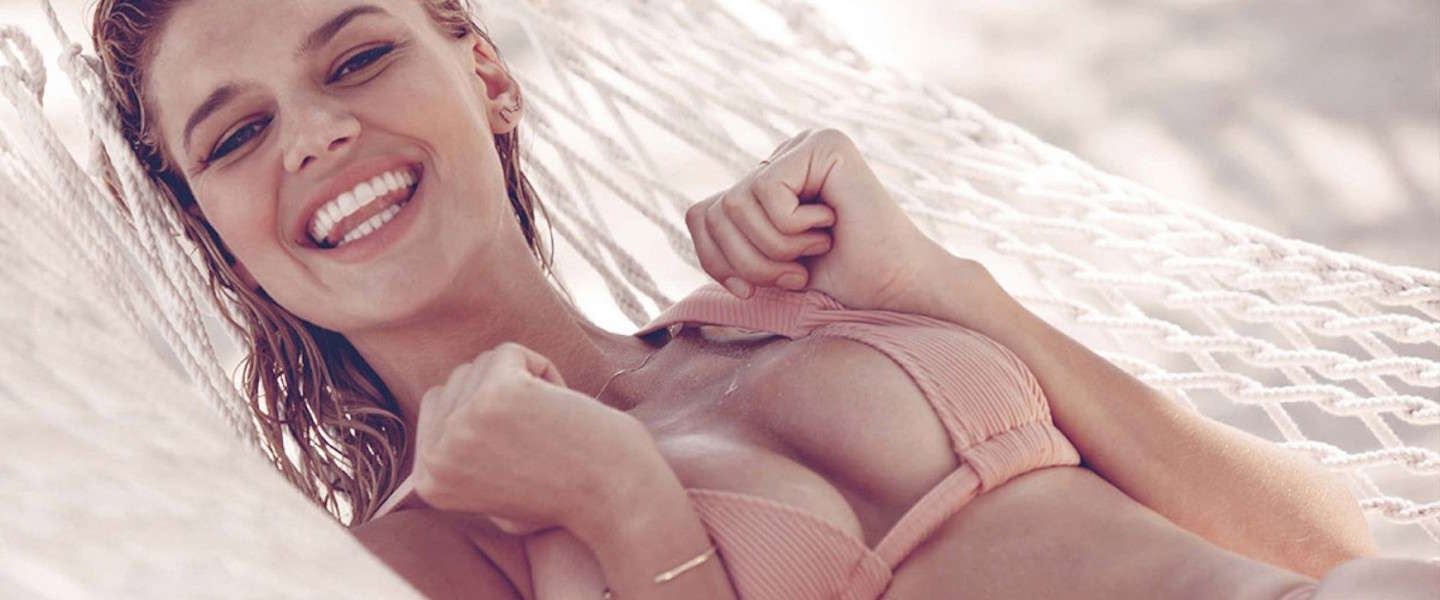 Must follow op Instagram: Baywatch chick Kelly Rohrbach