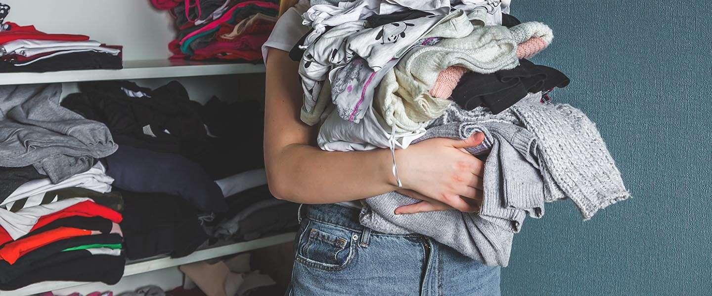 Richt je kledingkast optimaal in met behulp van een labelprinter