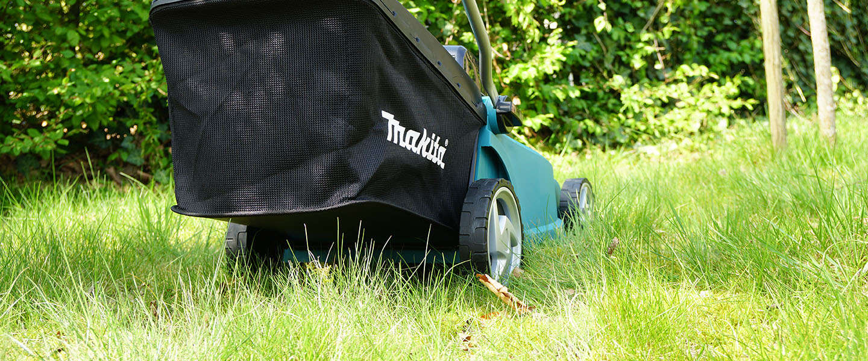 Deze krachtige grasmaaier heeft een slim accusysteem