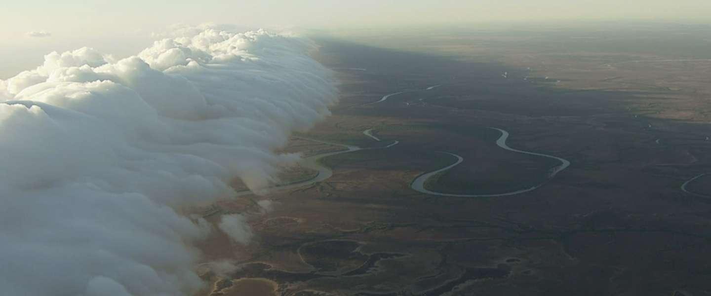 Waanzinnig filmpje: Jon Durand berijdt de grootste golven der natuur!