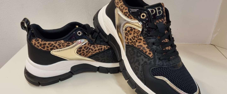 Patty Brard ontwerpt eigen pantersneakers voor Kruidvat .... roar!
