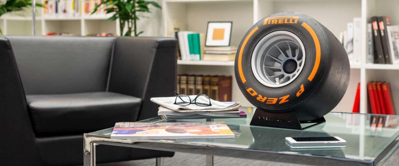 Dé speaker voor serieuze F1-fans: een ultrasoft Pirelli band