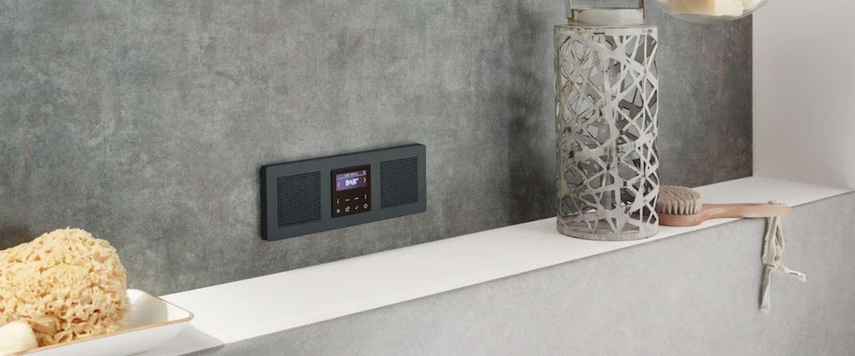 Deze mooie DAB+ radio van JUNG wordt in je muur verwerkt
