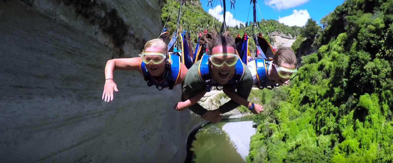 Te gekke video: ziplinen en bungeejumpen in Nieuw-Zeeland