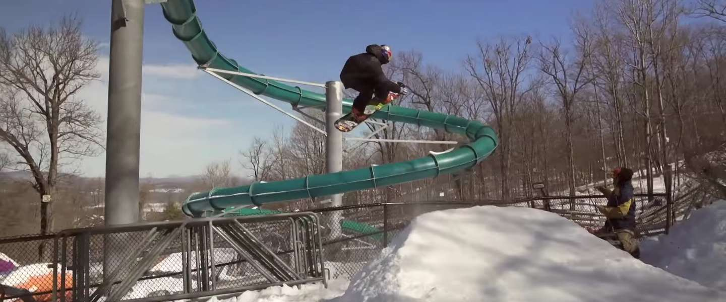 Vette video: snowboarden in een leeg waterpark