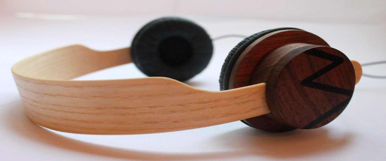Een koptelefoon gemaakt van duurzaam en buigbaar hout:  StreetWood-One