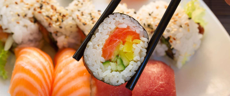 Sushi chef proeft supermarkt sushi en dit vindt hij ervan
