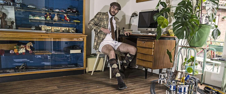Draag deze 'Thuiswerk Suit' en bijpassende onderbroek tijdens videocalls