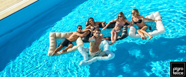Gaaf: opblaasbare meubels voor in het water!