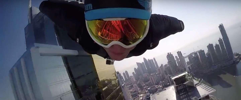 Gave video: wingsuit flying in Panama City