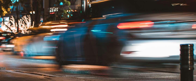 Hoe moeten zelfrijdende auto's beslissen over leven en dood?