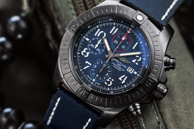 03_super-avenger-chronograph-48-night-mission-1