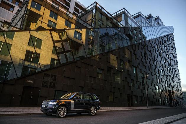 1-Range-Rover-Jonas-Bendiksen