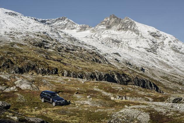 27-Range-Rover-Jonas-Bendiksen