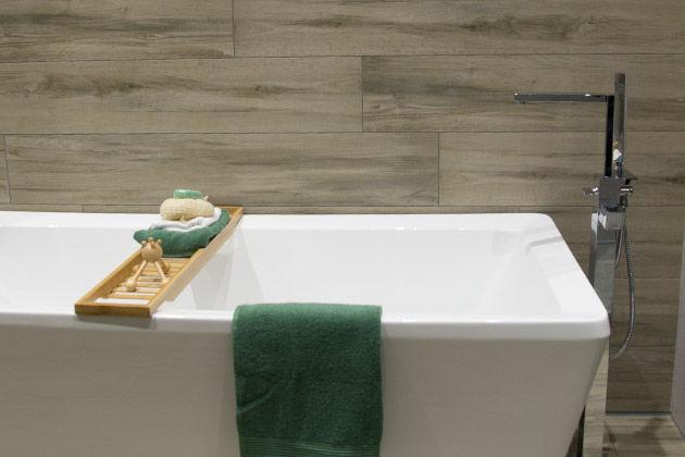 Badkamer Houtlook Tegels : De badkamertrends van 2016: hout en beton