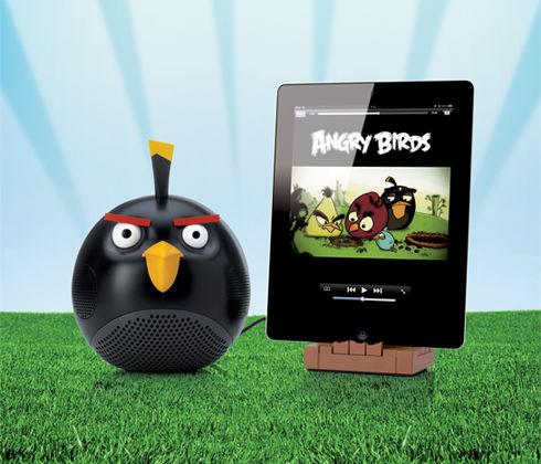 6361-black-bird-speaker-grass-bg-pd