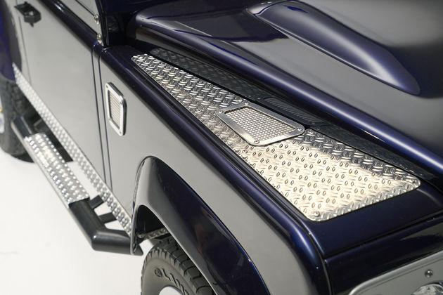 8-Land-Rover-Defender
