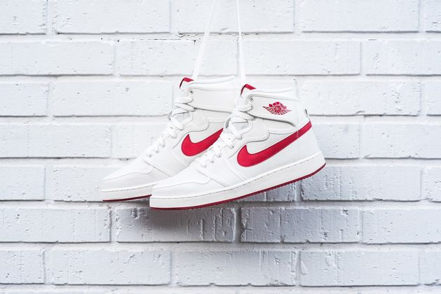 air-jordan-1-ko-high-og-sail-varsity-red-01-