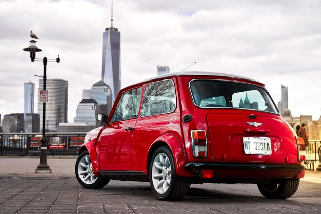 all-electric-classic-mini-design_dezeen_2364_col_7-1704x1137