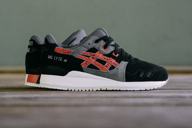 asics-gel-lyte-iii-black-chili-1