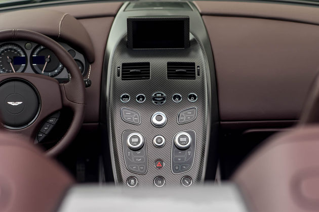 aston-martin-vantage-gt12-roadster-9