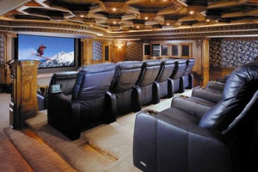 Awesome-Home-Cinema-Selection-3-550x366