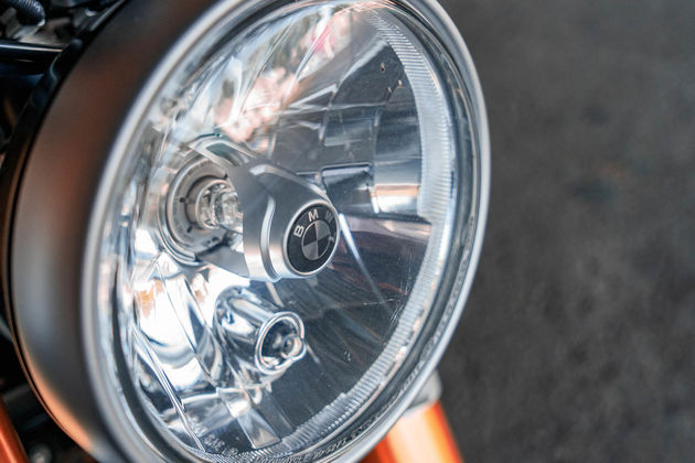 BMW_R_Nine_T_Headlight