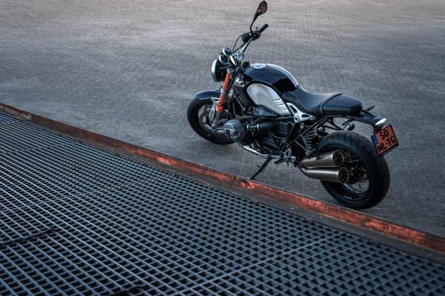 BMW_R_Nine_T_Side_Ramp
