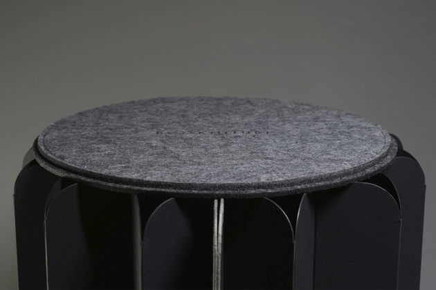 bookniture-hidden-furniture-book-03