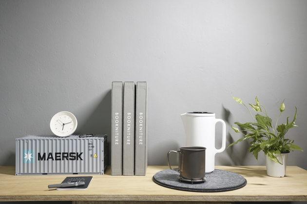 bookniture-hidden-furniture-book-05
